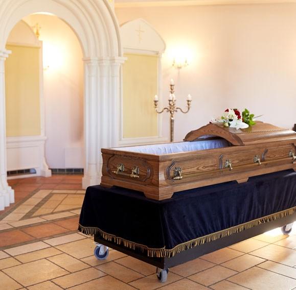 pompes funèbres près de Briare vous conseille pour le choix d'un cercueil